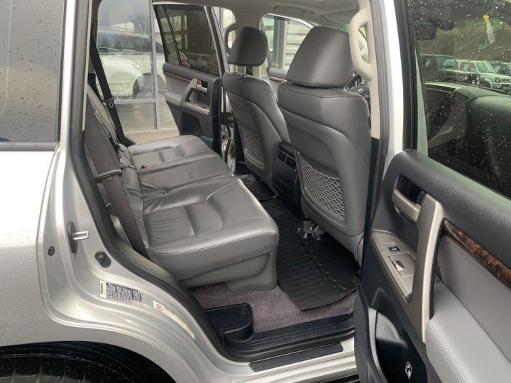 Toyota Land Cruiser VDJ 200 4.5 L V8 D4D 286 CV Lounge Gris clair - 14