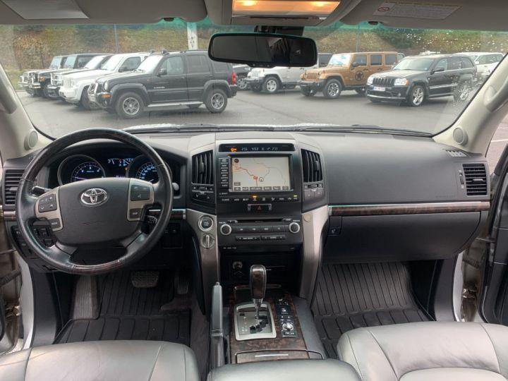 Toyota Land Cruiser VDJ 200 4.5 L V8 D4D 286 CV Lounge Gris clair - 18