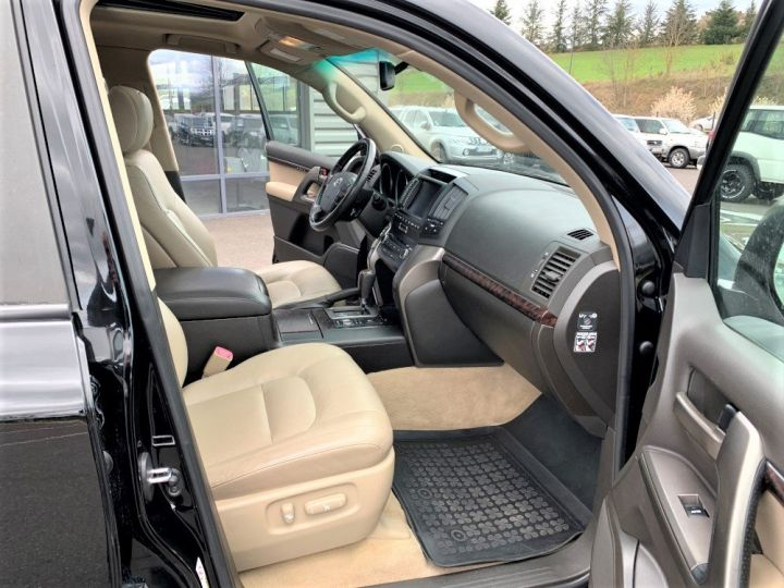 Toyota Land Cruiser VDJ 200 4.5 L V8 D4D 286 CV Lounge 7 places Noir - 9