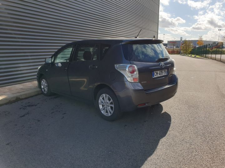 Toyota Verso 126 4d active i Gris Occasion - 16