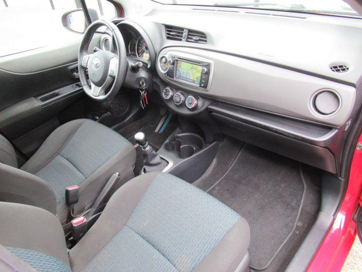 Toyota Yaris 90 D-4D ACTIVE 5P Rouge - 11