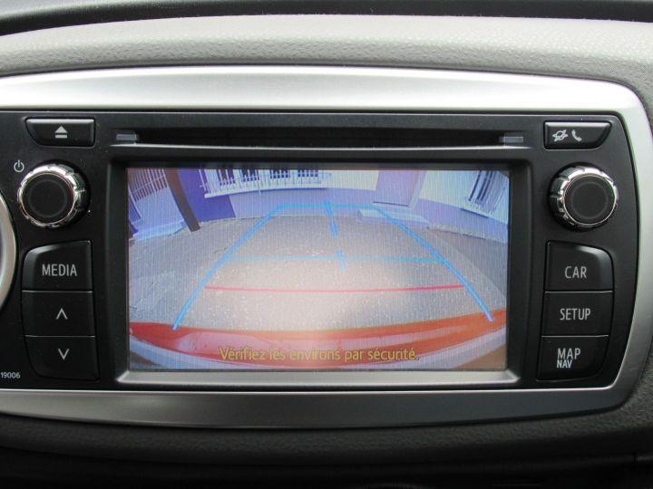 Toyota Yaris 90 D-4D ACTIVE 5P Rouge - 12