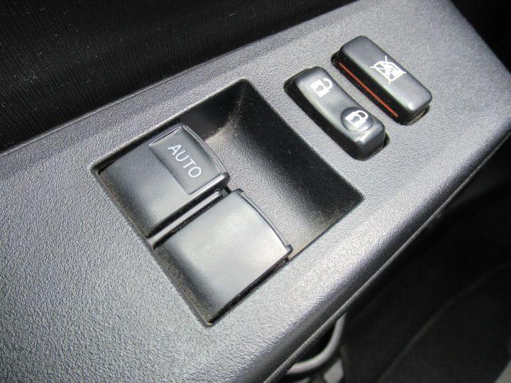 Toyota Yaris 90 D-4D ACTIVE 5P Rouge - 18