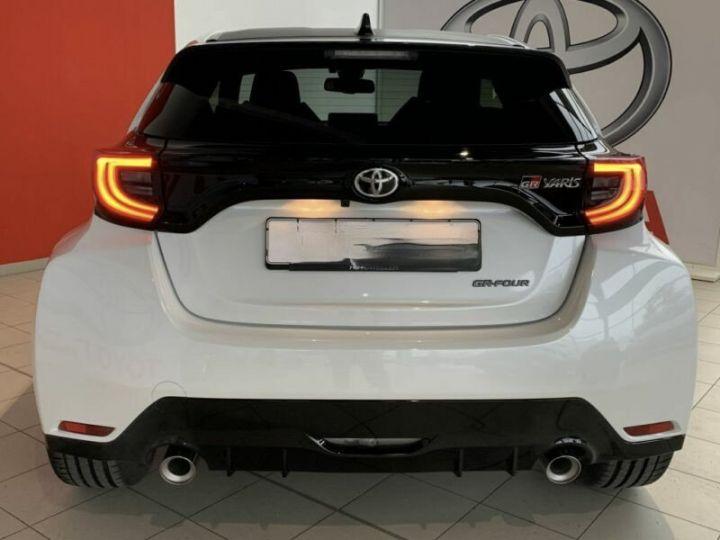 Toyota Yaris GR 1.6l 261 cv 4x4 PACK TRACK blanc - 4