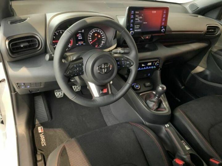 Toyota Yaris GR 1.6l 261 cv 4x4 PACK TRACK blanc - 17