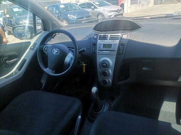 Toyota Yaris LES BLEUS GRIS METALISE Occasion - 5