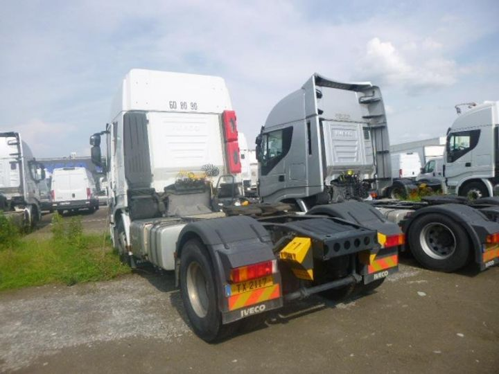 Tractor truck Iveco Stralis Hi-Way AS440S46 TP E6 Blanc - 4