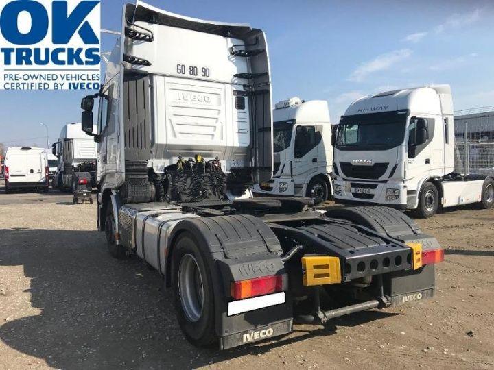 Tractor truck Iveco Stralis Hi-Way AS440S46 TP E6 - offre de location 998 Euro HT x 36 mois* Gris Clair Métal - 4