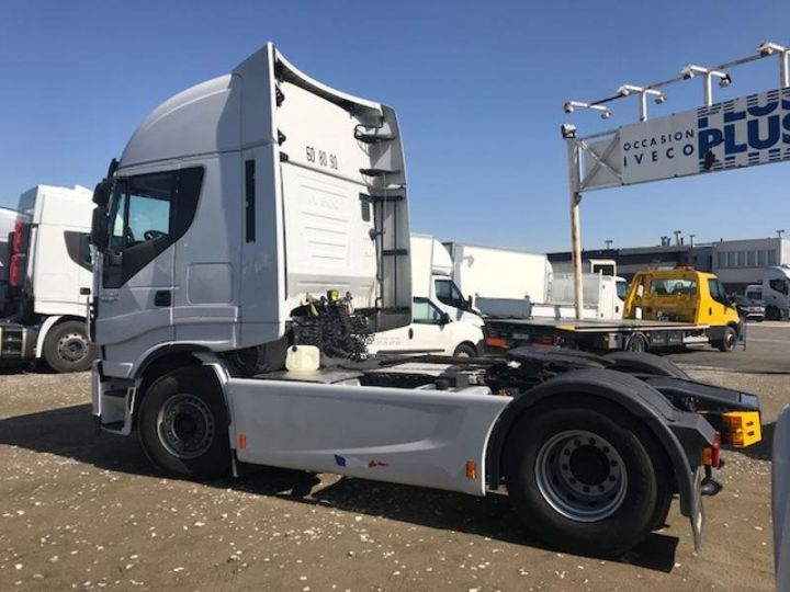 Tractor truck Iveco Stralis Hi-Way AS440S48 TP E6 Blanc - 2