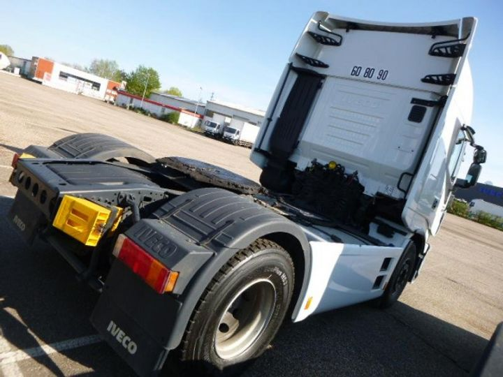 Tractor truck Iveco Stralis Hi-Way AS440S48 TP E6 Blanc - 3