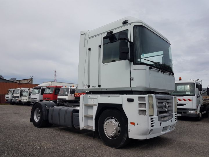 Tractor truck Renault Magnum 440dxi OPTIDRIVER BLANC - 3