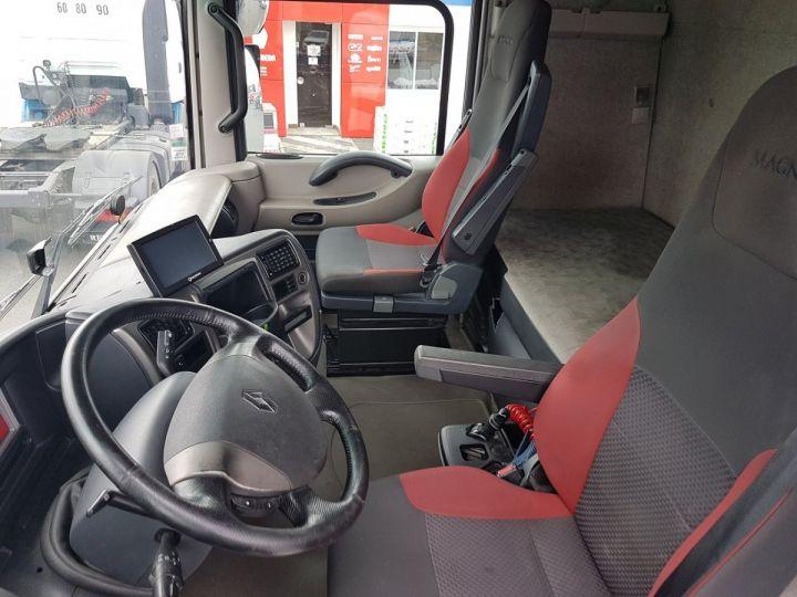 Tractor truck Renault Magnum 520dxi PRIVILEGE BLEU - 11