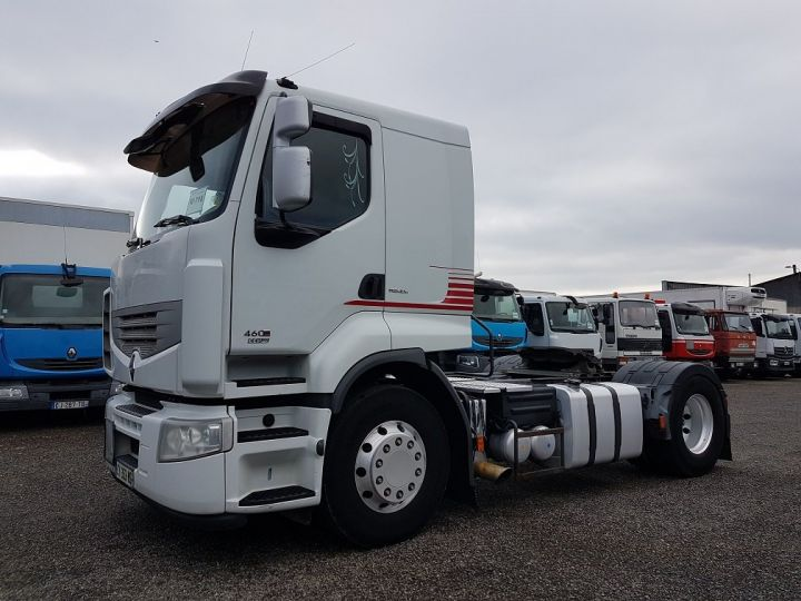 Tractor truck Renault Premium 460dxi EEV - RTMD/ADR BLANC - 1