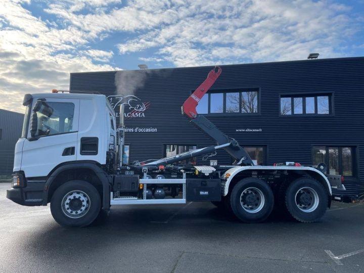 Tractor truck Scania P 410 6x4 POLYBENNE BRAS AMPLIROLL BOITE AUTOMATIQUE BLANC - 1