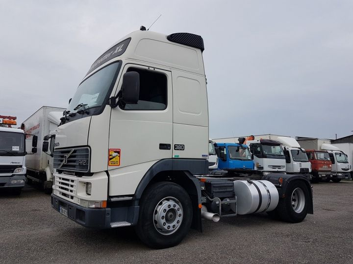 Tractor truck Volvo FH 12.380 GLOBETROTTER XL  - 1