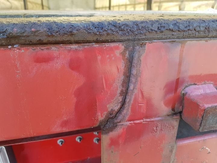 Trailer Leveques Curtain side body P.L.S.C. 10m40 PORTE-CHARIOT MANITOU BLANC - ROUGE - 14
