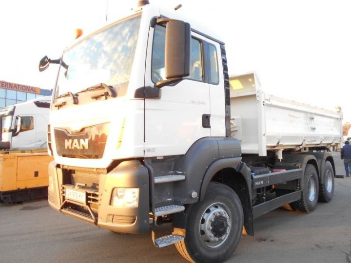 Trucks Man TGS 2/3 way tipper body 33.360  - 1