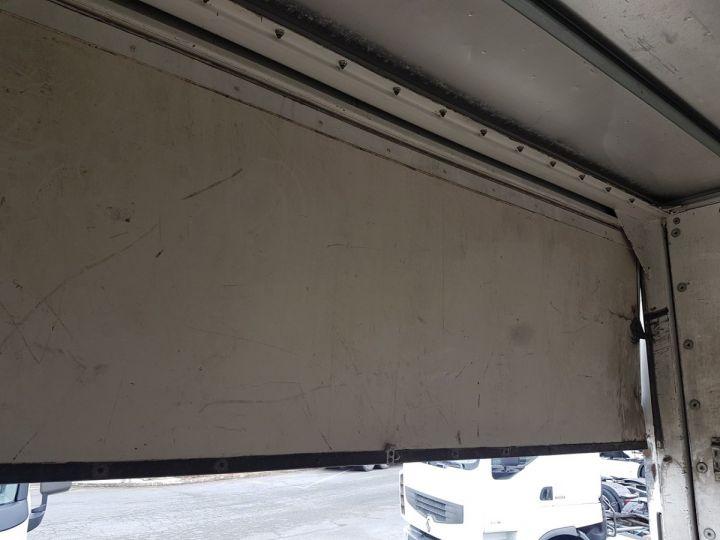 Trucks Renault Premium Box body + Lifting Tailboard 220dci.16 - Moteur en panne / pour pièces BLANC - 11