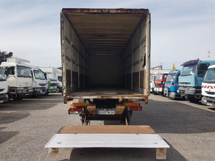 Trucks Renault Premium Box body + Lifting Tailboard 270dci.18D - Pour pièces BLANC - 7