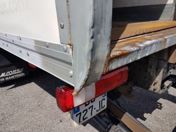 Trucks Renault Premium Box body + Lifting Tailboard 310dxi.19D PRIVILEGE - Fourgon abimé BLANC - 12