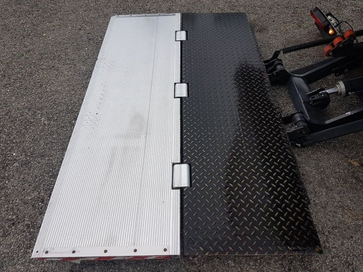 Trucks Renault D Box body + Lifting Tailboard 12.210dti FOURGON 6m50 BLANC - 8