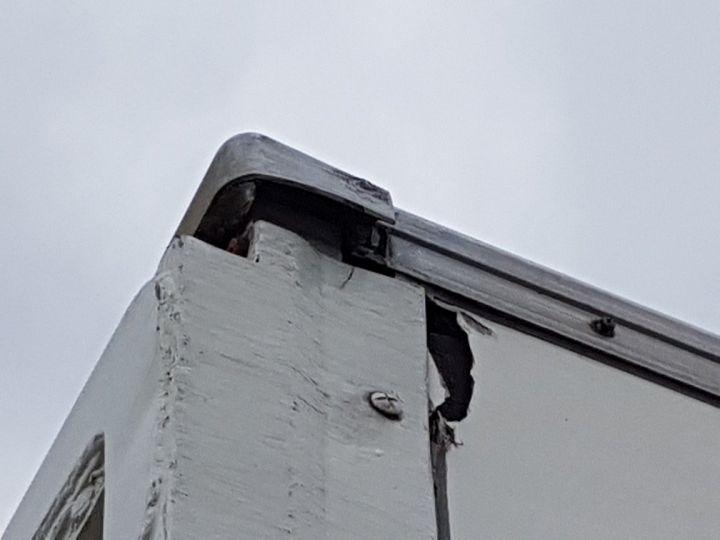 Trucks Renault D Box body + Lifting Tailboard MED 12.210dti FOURGON 7m50 BLANC - 14