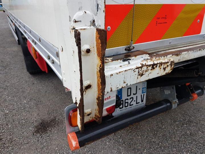 Trucks Renault D Box body + Lifting Tailboard MED 12.210dti FOURGON 7m50 BLANC - 12