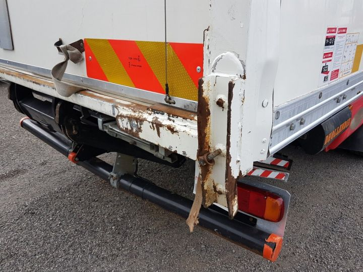Trucks Renault D Box body + Lifting Tailboard MED 12.210dti FOURGON 7m50 BLANC - 13