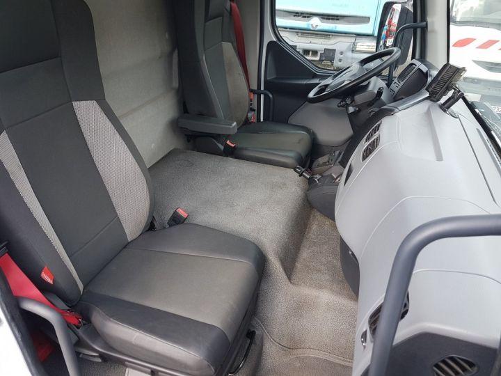 Trucks Renault D Box body + Lifting Tailboard MED 12.210dti FOURGON 7m50 BLANC - 20