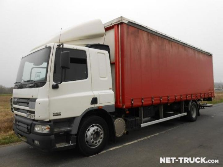 Trucks Daf CF Curtain side body  - 1