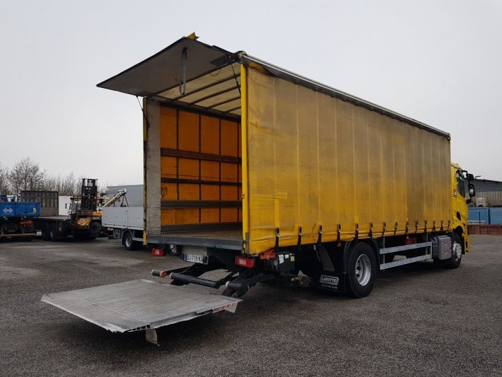 Trucks Renault T Curtain side body 460.19 JAUNE - 3