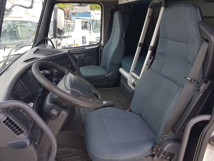 Trucks Volvo FH13 Curtain side body 500 + SAMRO 3 essieux (2002) - COMBI 110m3 BLANC - 17