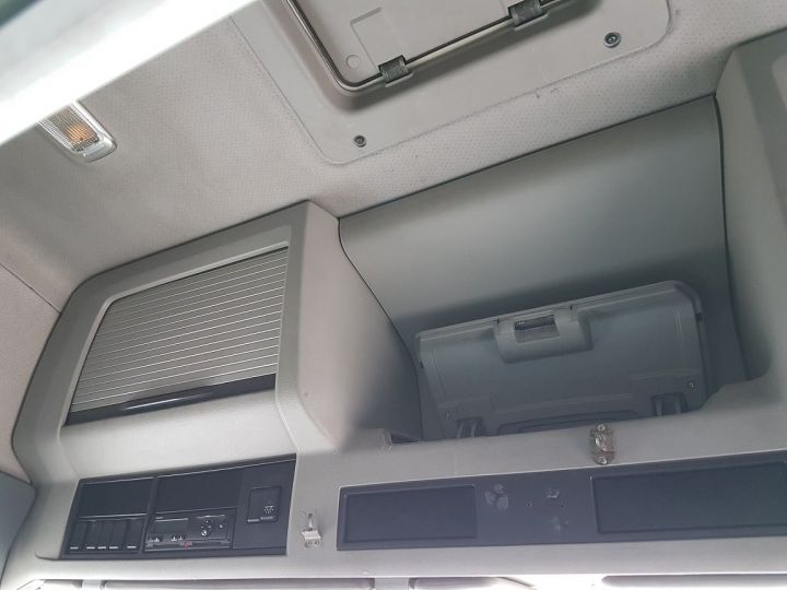 Trucks Volvo FH13 Curtain side body 500 + SAMRO 3 essieux (2002) - COMBI 110m3 BLANC - 20
