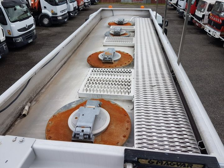 Trucks Renault Premium Fuel tank body 310dxi.19 BLANC - 6