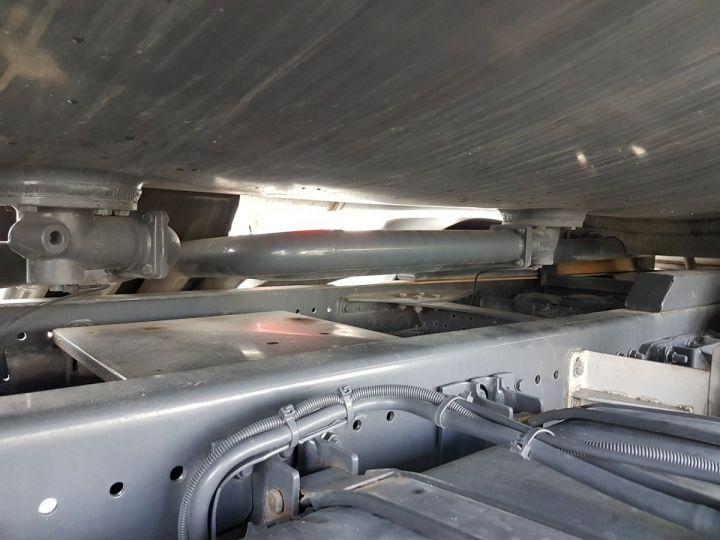 Trucks Renault Premium Fuel tank body 320dci.19D CITERNE A HUILE ROUGE et BLANC - 12