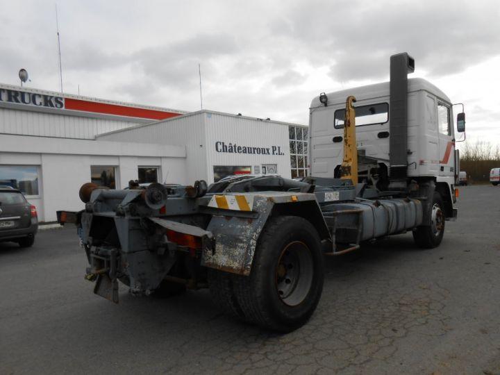 Trucks Volvo F Hookloader Ampliroll body 10 4x2 GUIMA 14 - A réparer BLANC - 2