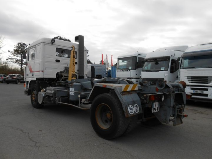 Trucks Volvo F Hookloader Ampliroll body 10 4x2 GUIMA 14 - A réparer BLANC - 4