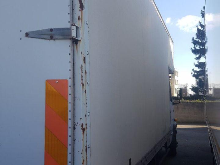 Trucks Mercedes 711D blanc - 10