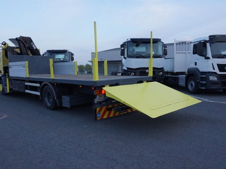 Trucks Renault Platform body + crane Jaune - 3