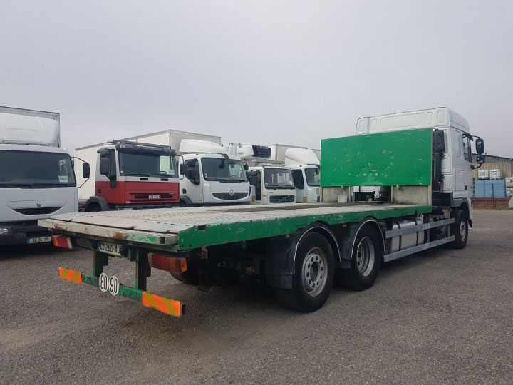 Trucks Daf XF105 Platform body 510 6x2/4 SPACECAB - Chassis 8 m. BLANC et VERT - 2
