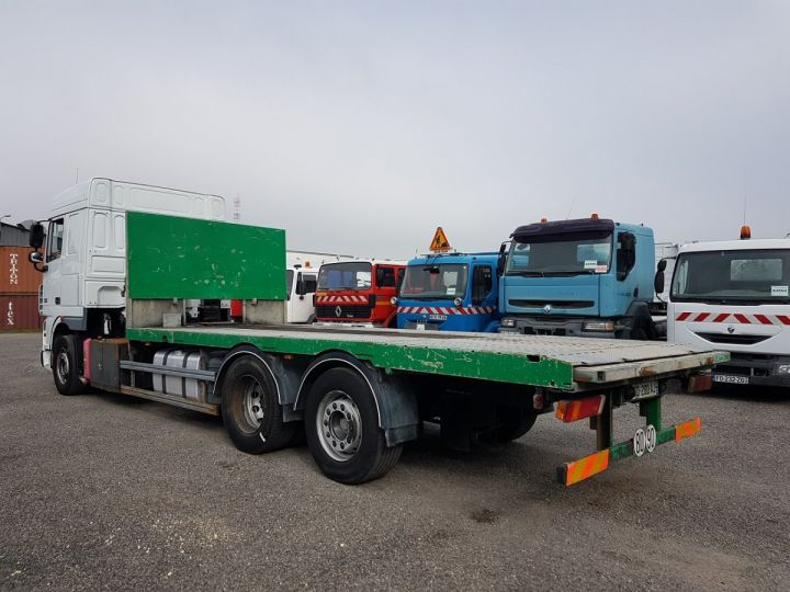 Trucks Daf XF105 Platform body 510 6x2/4 SPACECAB - Chassis 8 m. BLANC et VERT - 4