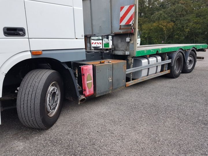 Trucks Daf XF105 Platform body 510 6x2/4 SPACECAB - Chassis 8 m. BLANC et VERT - 18