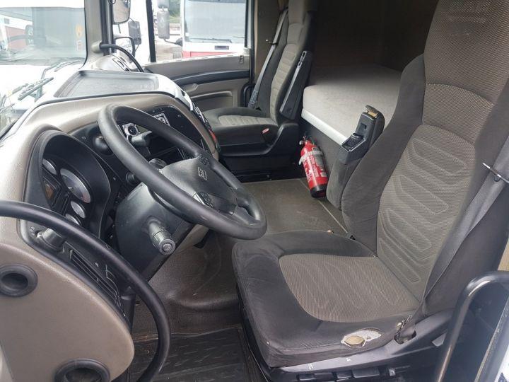 Trucks Daf XF105 Platform body 510 6x2/4 SPACECAB - Chassis 8 m. BLANC et VERT - 19