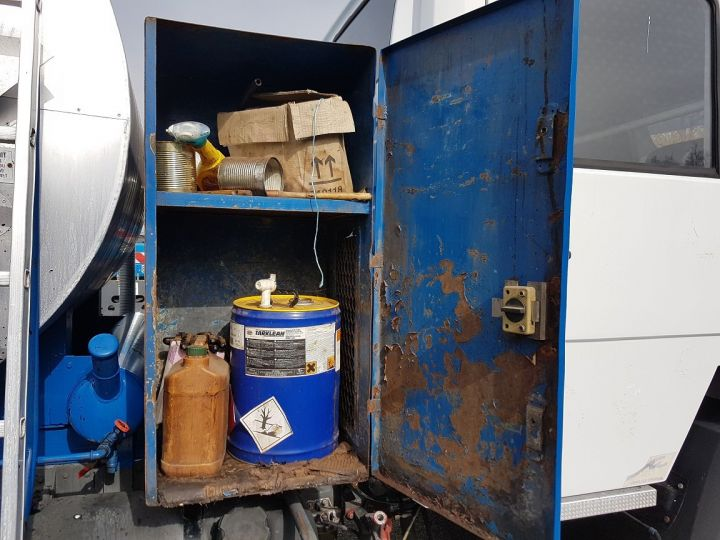 Trucks Mercedes LK Public roads body 1214 - POINT-A-TEMPS RINCHEVAL BLANC - BLEU - 9