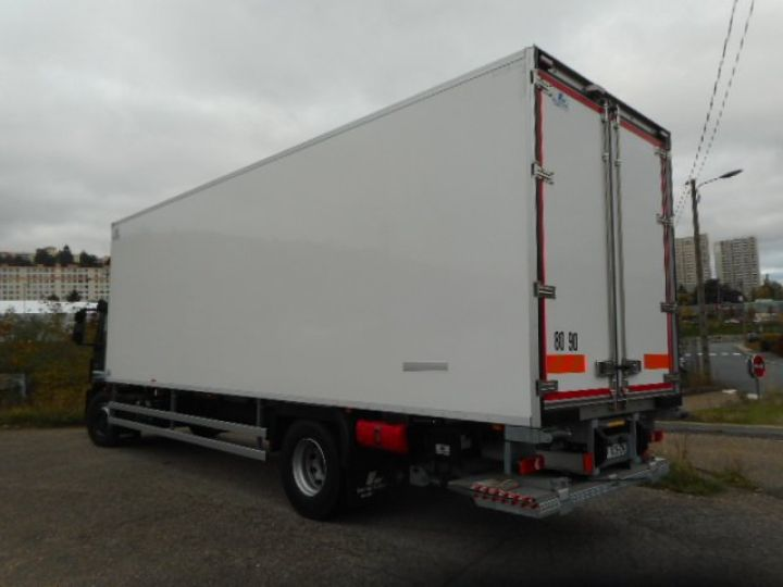 Trucks Iveco EuroCargo Refrigerated body ML190 EL 28 CAISSE FRIGORIFIQUE PORTE VIANDES  - 4