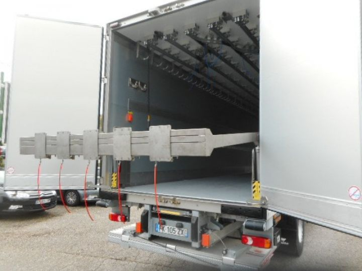 Trucks Iveco EuroCargo Refrigerated body ML190 EL 28 CAISSE FRIGORIFIQUE PORTE VIANDES  - 9