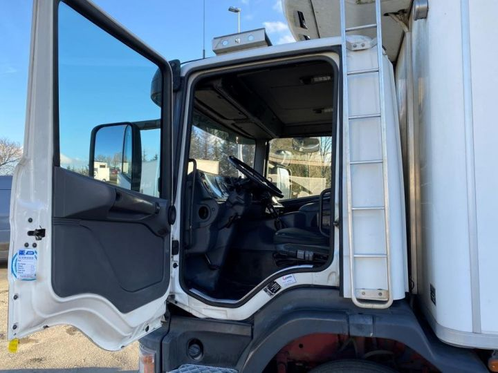 Trucks Scania G 94 G 220 FRIGORIFIQUE PENDERIE A VIANDE MANI-VIANDE BLANC - 16
