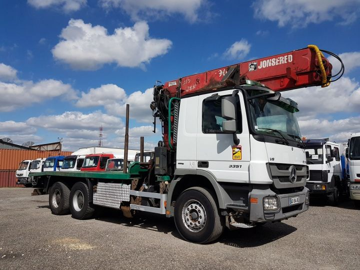 Trucks Mercedes Actros Timber truck body 3351 KN 6x4 V8 + JONSERED 2490 BLANC - VERT - 4