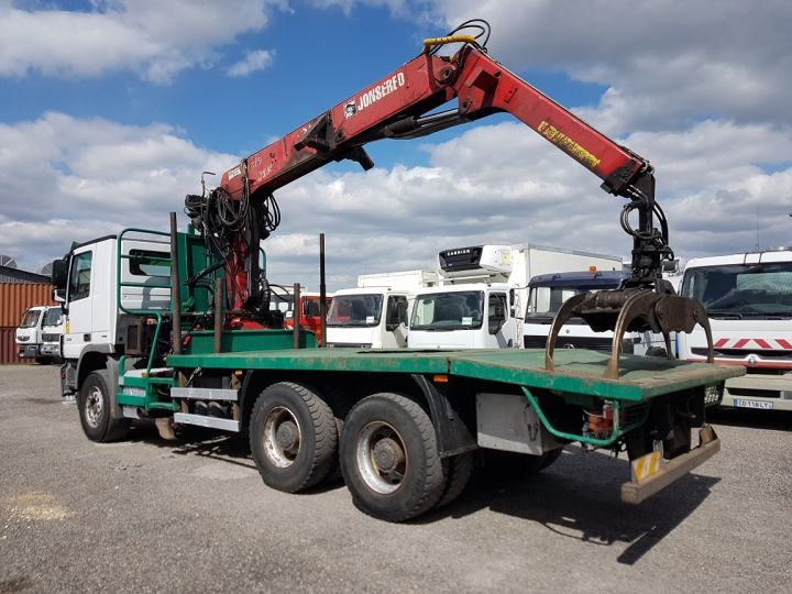 Trucks Mercedes Actros Timber truck body 3351 KN 6x4 V8 + JONSERED 2490 BLANC - VERT - 6