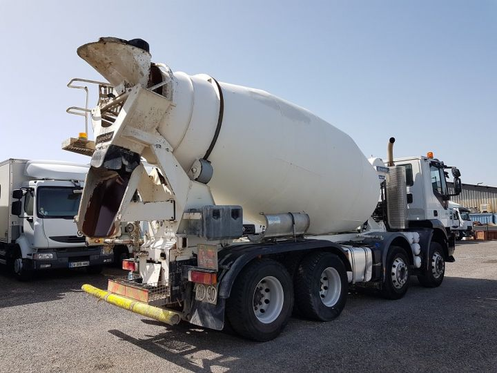 Trucks Iveco Trakker Truck mixer body 410 EEV 8x4 FRUMECAR 9m3 BLANC - 2